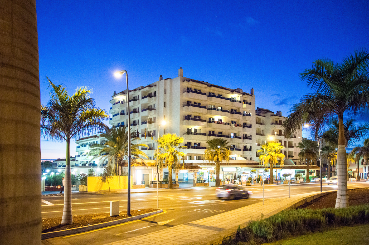 Apartamentos oro blanco tenerife best price online for Apartamentos