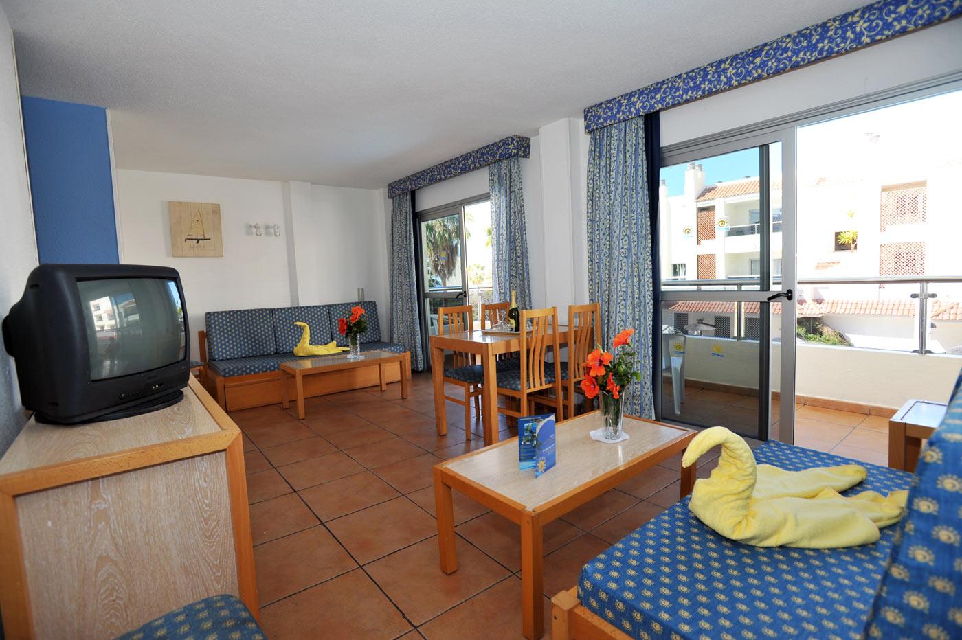 Apartamentos oro blanco tenerife best price online for Blanco hotel